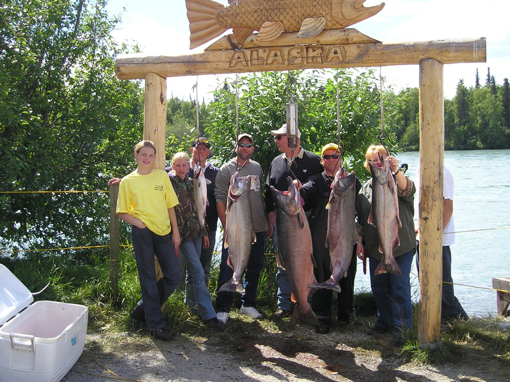 Family King Salmon Fishing Fun At Alaska Fishing And Lodging 1000