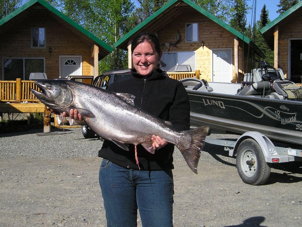 Girls Catching Big King Salmon In Alaska 1000