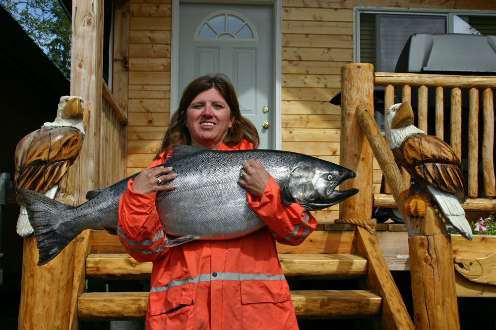 Mighty Chinook Salmon In Alaska 1000